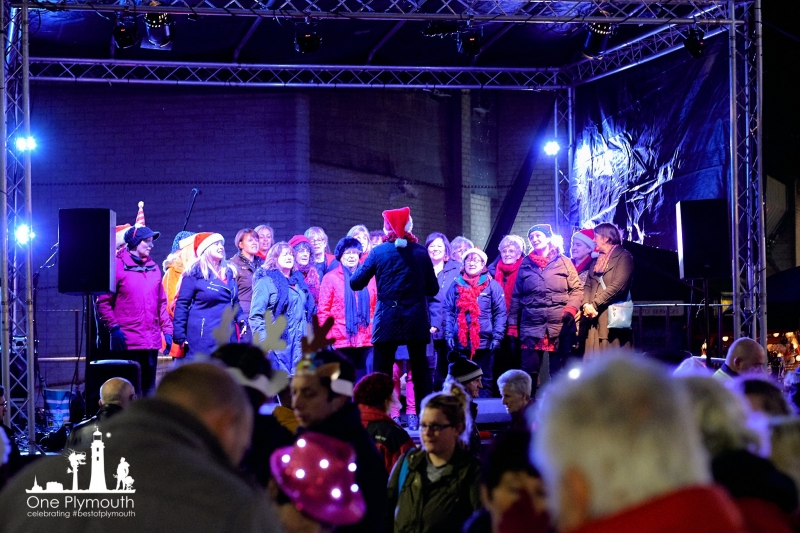 Christmas Lights Switch On in Plympton